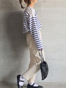 ボーダーtシャツ 白いワイドパンツ