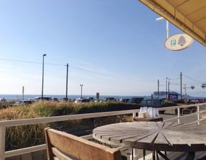 ダブルドアーズ 海が見えるテラス席