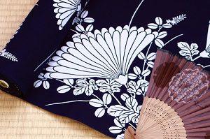 白と紺 オーソドックスな和柄 シンプルスタイル