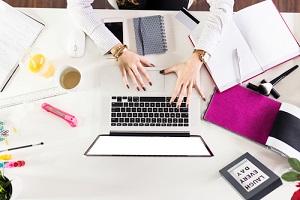多忙な女性 オフィス