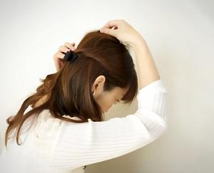30代向けヘアアレンジ ゆるふわに仕上げるコツ 画像