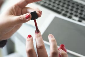 赤 ポリッシュ 塗り方 使い方