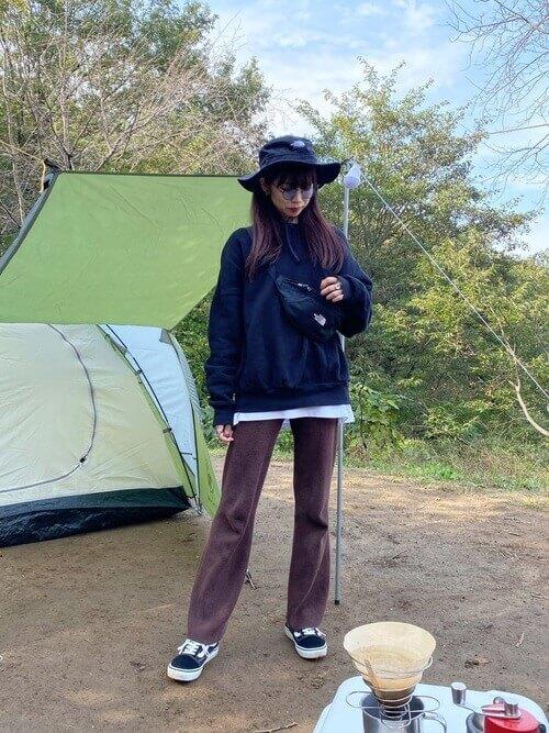 歩きやすい靴 キャンプ スニーカー