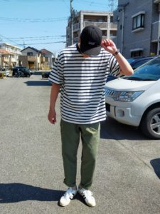 大き目な横ストライプのTシャツ