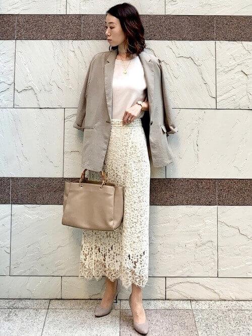 白スカート ジャケット オフィスカジュアル 40代