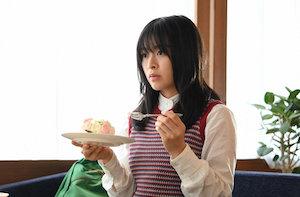 ニットタック柄編みベストを着た森七菜