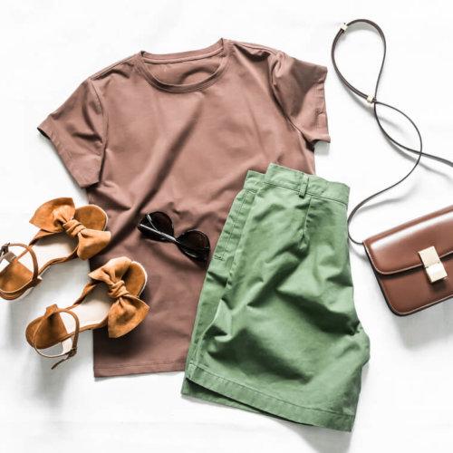 アクセサリー服のファッションセット