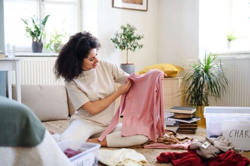 30代女性が「捨てる服」と「残す服」とは?ファッション断捨離のコツ