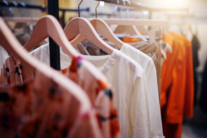 どこで服を買うべきか不明…
